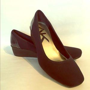 Navy w/patten wedge Anne KLEIN sport shoes
